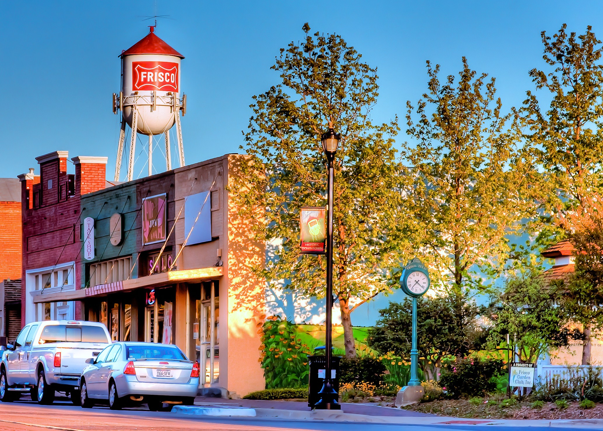 Downtown_in_the_Fall_Roger_Robinson_Submitted_for_Inaugural_2010_CVB_Photo_Contest_86f54b02-85e9-4a29-a4fa-94eaaa3f25c7